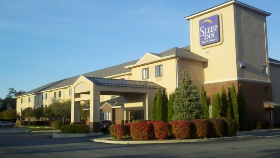 Sleep Inn & Suites of Lake George: Exterior
