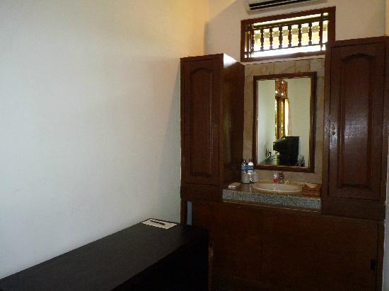 Saren Indah Hotel: Zimmer Nummer 102