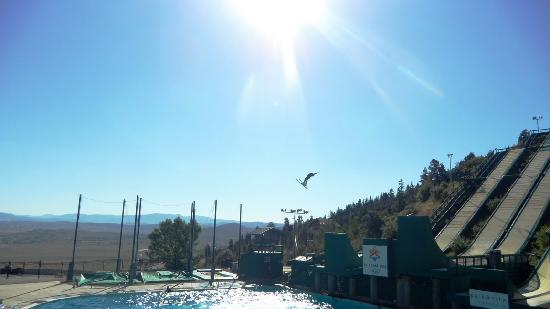 Hampton Inn and Suites Park City: We watched a pro. ski lift jump athlete to practice his jumps for Winter Olympic in Russia 2014