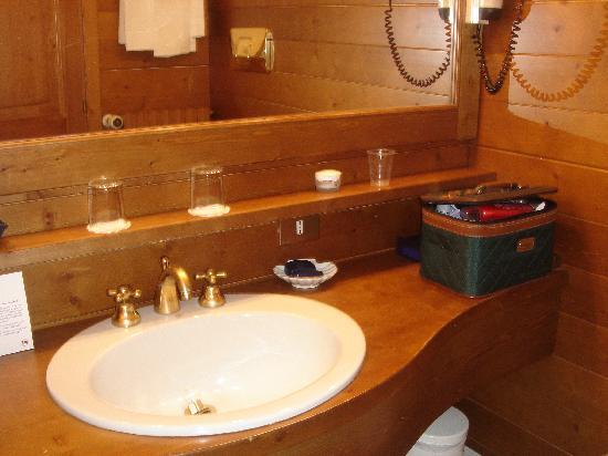 Foto 1 bagno boutique hotel villa blu cortina cortina d 39 ampezzo tripadvisor - Cortina boutique ...