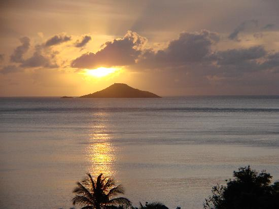Mahoe Bay sunset from the Villa del Sole gazebo. Most of the images in this video are from Mahoe