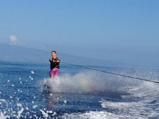 Wake Maui: Water ski