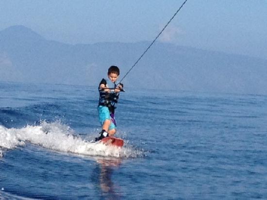 Wake Maui: wake board