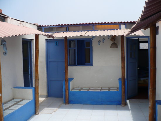 Hospedaje El Mirador de Pucusana: El Mirador, hotel courtyard