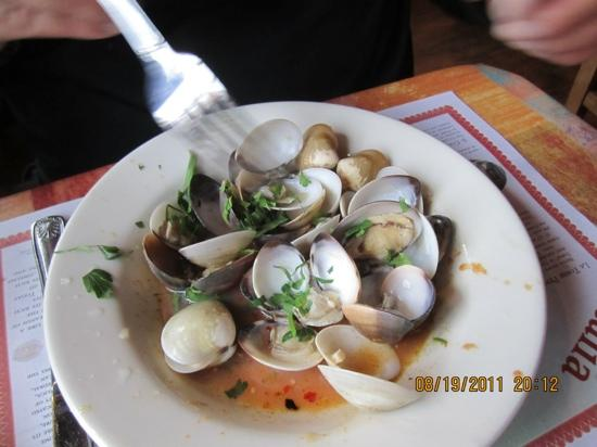 Viva Pizza: clams yum