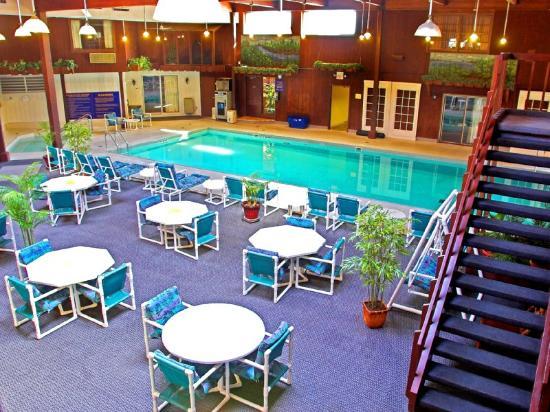 Rodeway Inn & Suites Eau Claire: Pool