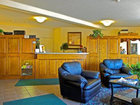 Rodeway Inn & Suites Eau Claire: Lobby