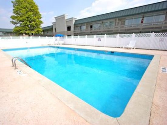 Quality Inn Troy: Amenities