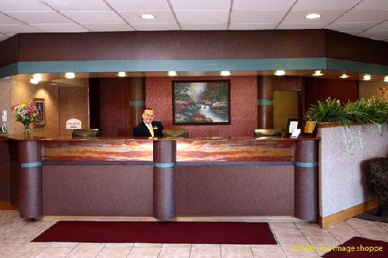 Quality Inn and Conference Center: Quality Inn & Conference Center Front Desk