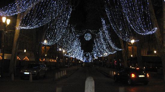 La Maison de Carlotta : Cours Mirabeau at Christmas