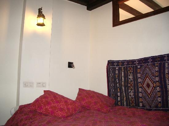 Apartamentos El Almez : Dormitorio