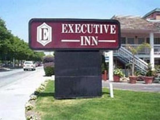 Executive Inn San Jose: The Hotel