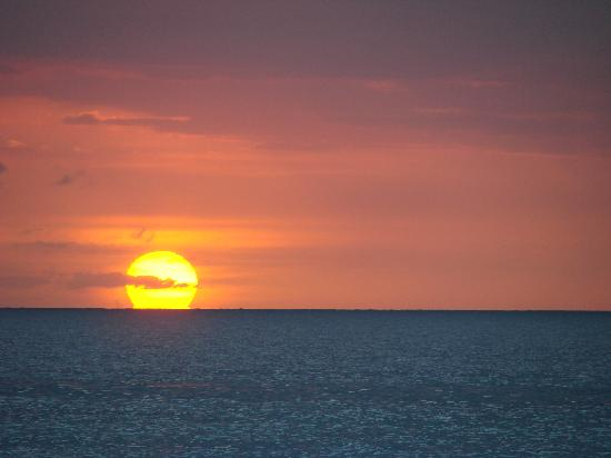 Couples Swept Away: Last sunset of 2011