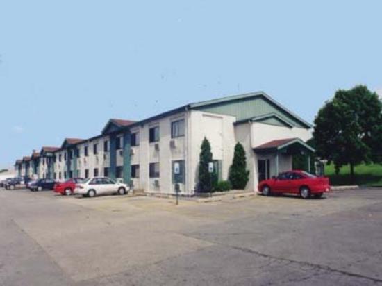 Breakfast Area - Picture Of Motel 6 Cedar Rapids
