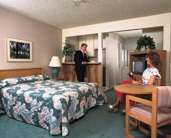Photo of California Suites Hotel San Diego