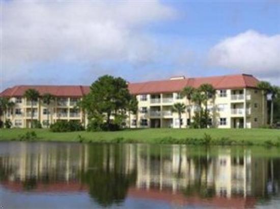 Parc Corniche Condominium Resort Hotel: Exterior View