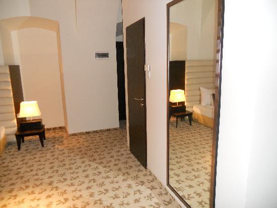 โรงแรมบูดาคาสเทิลแฟชั่น: Entrance