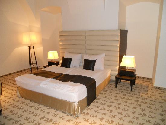 โรงแรมบูดาคาสเทิลแฟชั่น: Bed
