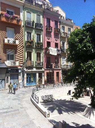 Rosso e Nero B&B: Plaza Savoia desde el ventanal