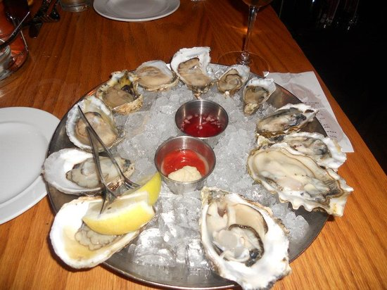 Hank's Oyster Bar: The Oyster Sampler