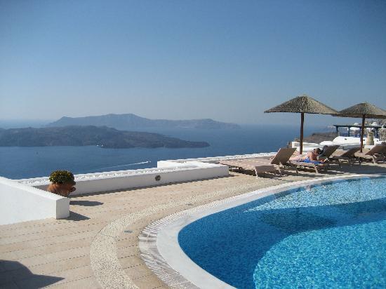 Lilium Villas Santorini: View from pool.