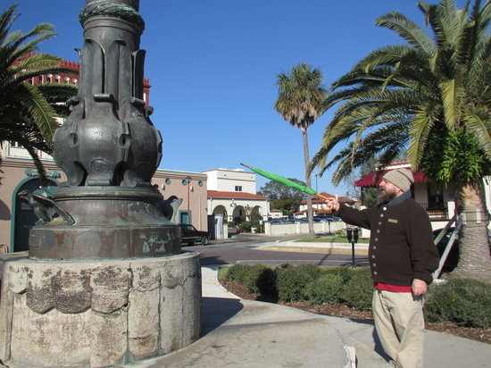 The Plaza Stroll - Secrets of the Plaza de la Constitucion