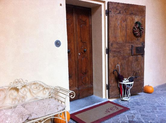 Antica Casa Zucchini Bed&breakfast: Entrance from the courtyard