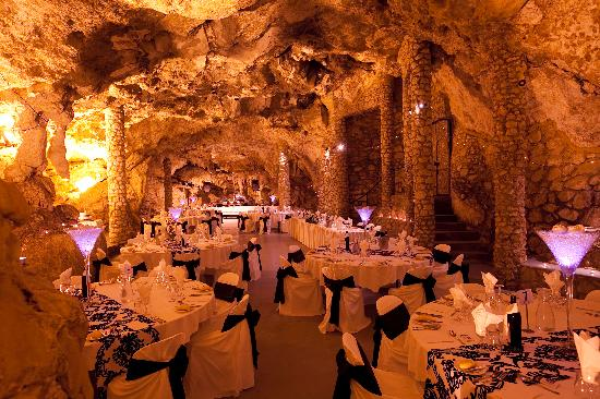 Yanchep, Avustralya: Cabaret Cave - Perth's only cave for function hire