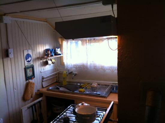 Hostel Keoken : communal kitchen