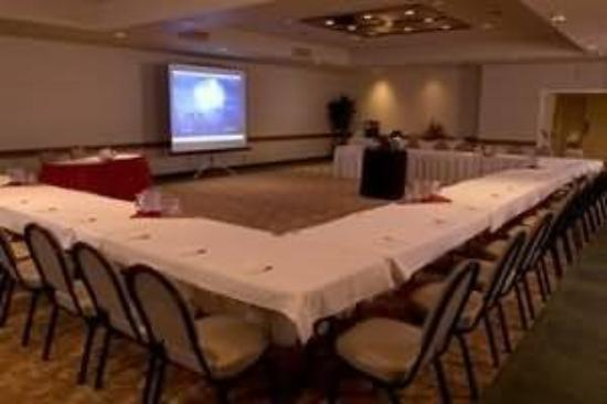 Monarch Hotel and Conference Center: Columbia Room