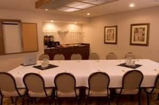 Monarch Hotel and Conference Center: Boardroom