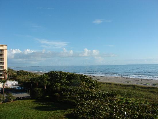 Cape Winds Resort : Looking towards Cape Canaveral from the deck