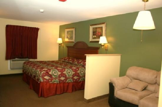 Super 8 Mifflinville Near Bloomsburg: Single bed room # 227