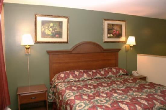 Super 8 Mifflinville Near Bloomsburg : Queen bed