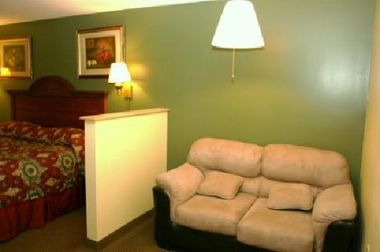 Super 8 Mifflinville Near Bloomsburg: Love seat in room # 227
