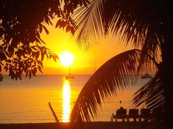 Sandals Negril Beach Resort & Spa: Coucher de notre chambre