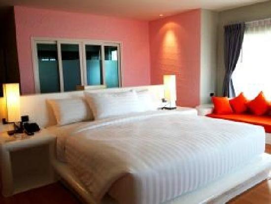 The Chalet Phuket Resort : Room
