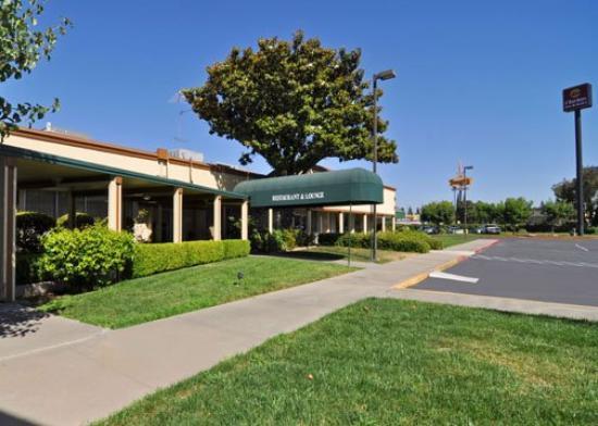Photo of Clarion Inn & Suites Stockton