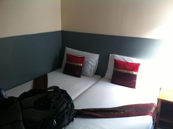 Highfive Hotel: 500B room
