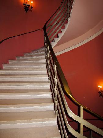 Vienna Hotel Regina Staircase