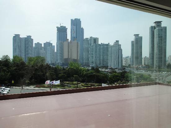 เดอะเวสติน โชซันปูซาน: 山側のお部屋から景色