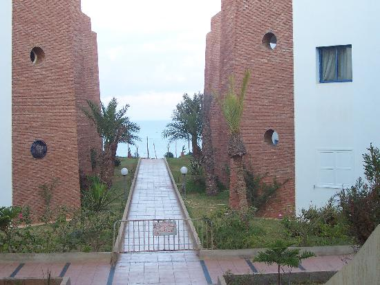 Hotel Safa: Barrier to the sea view.