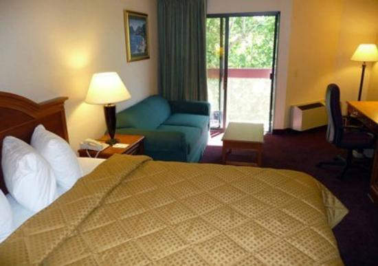 Quality Inn & Suites Irvine Spectrum: CACG