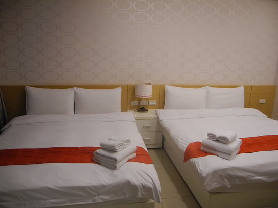 Tomato Rooms Taichung Hostel: beds comfortable for 4 persons