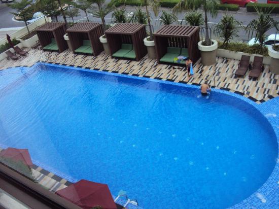 Hyatt Regency Kinabalu: room 341 overlooking pool