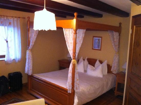 Les Chambres du Vieux Pressoir : orchid room
