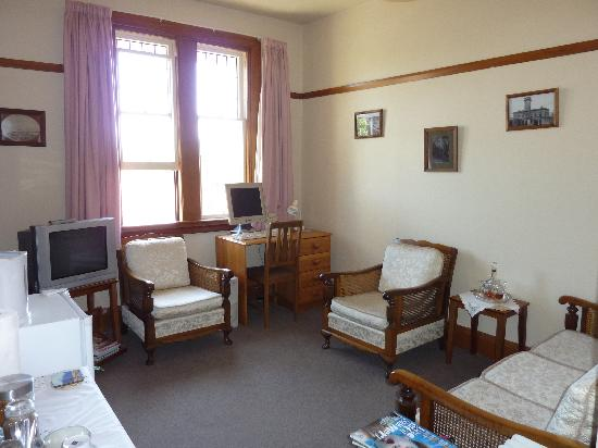 Sefton Homestay Bed and Breakfast: Guest Sitting Room