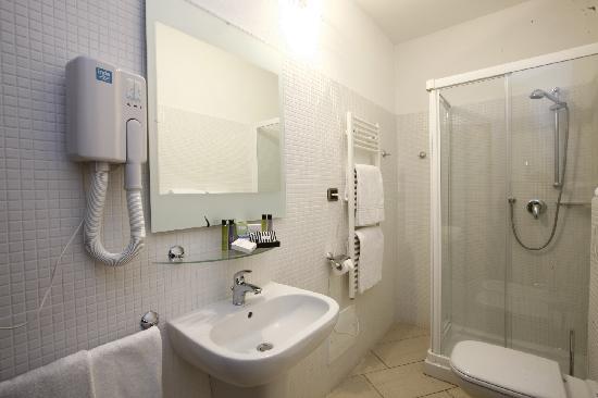 Hotel La Locanda: Bagno Camera