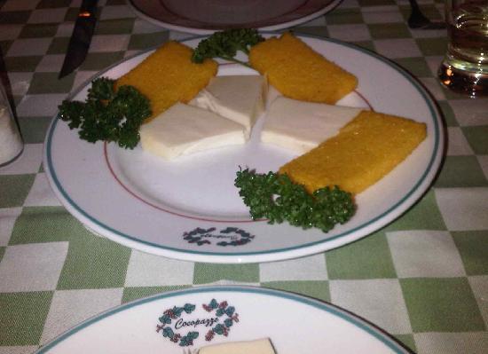 Cocopazzo: Polenta with cheese
