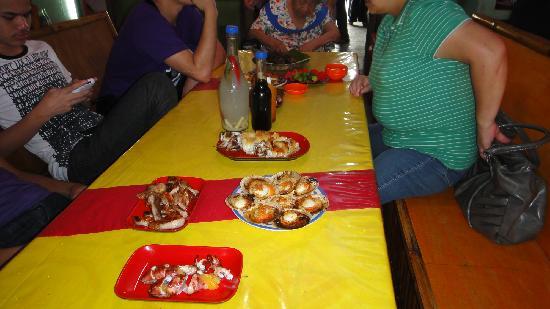 Baybay Beach: let's eat!